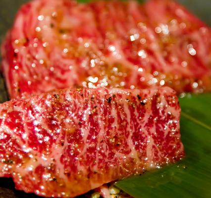 焼肉用の霜降り肉